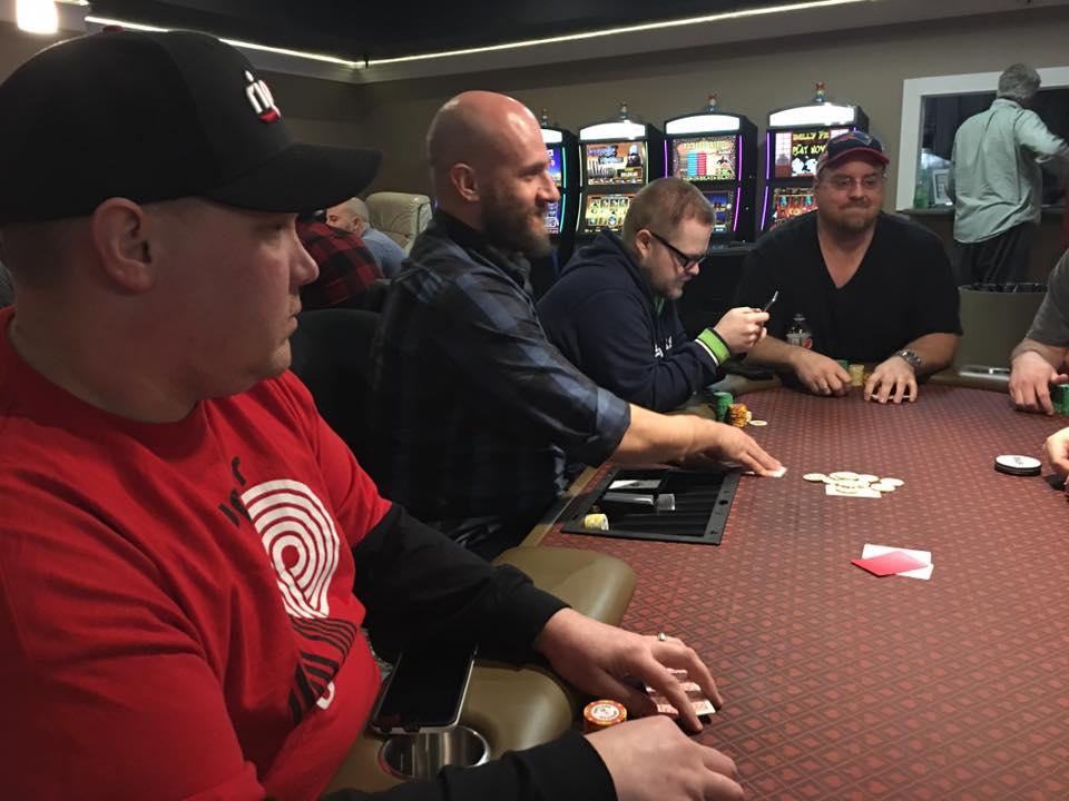 Huijata voittaa kasinollan
